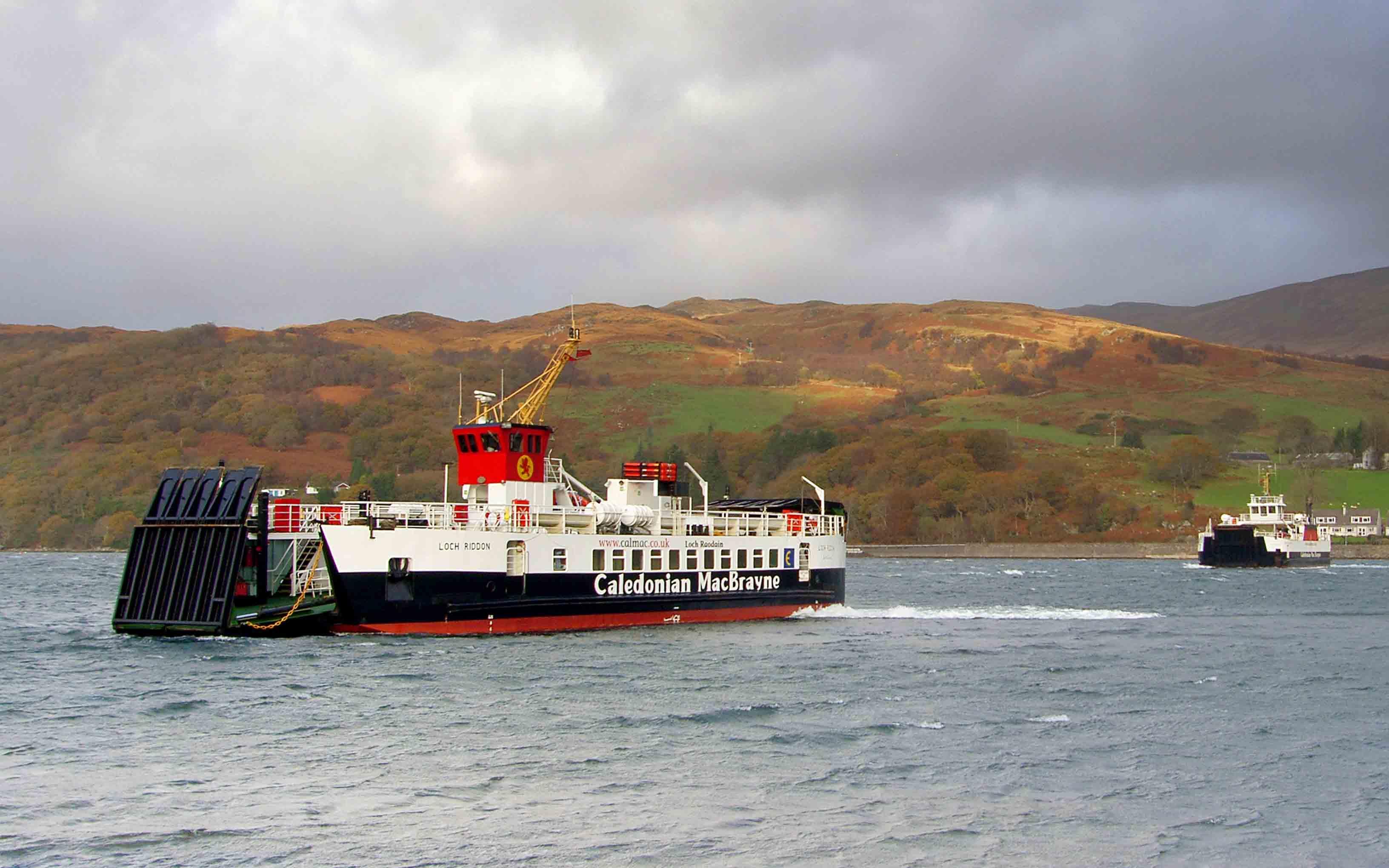 Loch Riddon arriving at Rhubodach (Ships of CalMac)