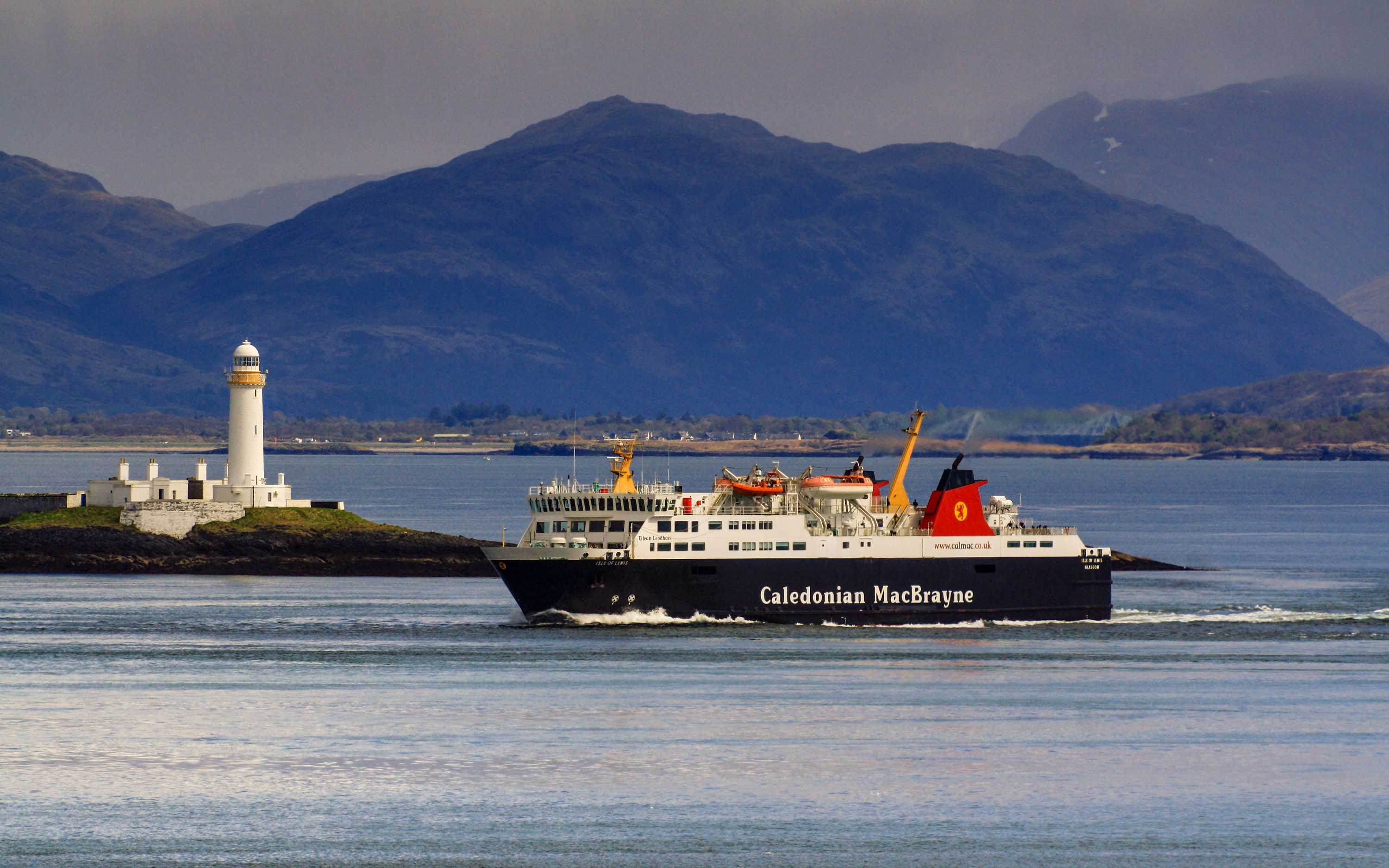Isle of Lewis passing Lismore Lighthouse (Ships of CalMac)