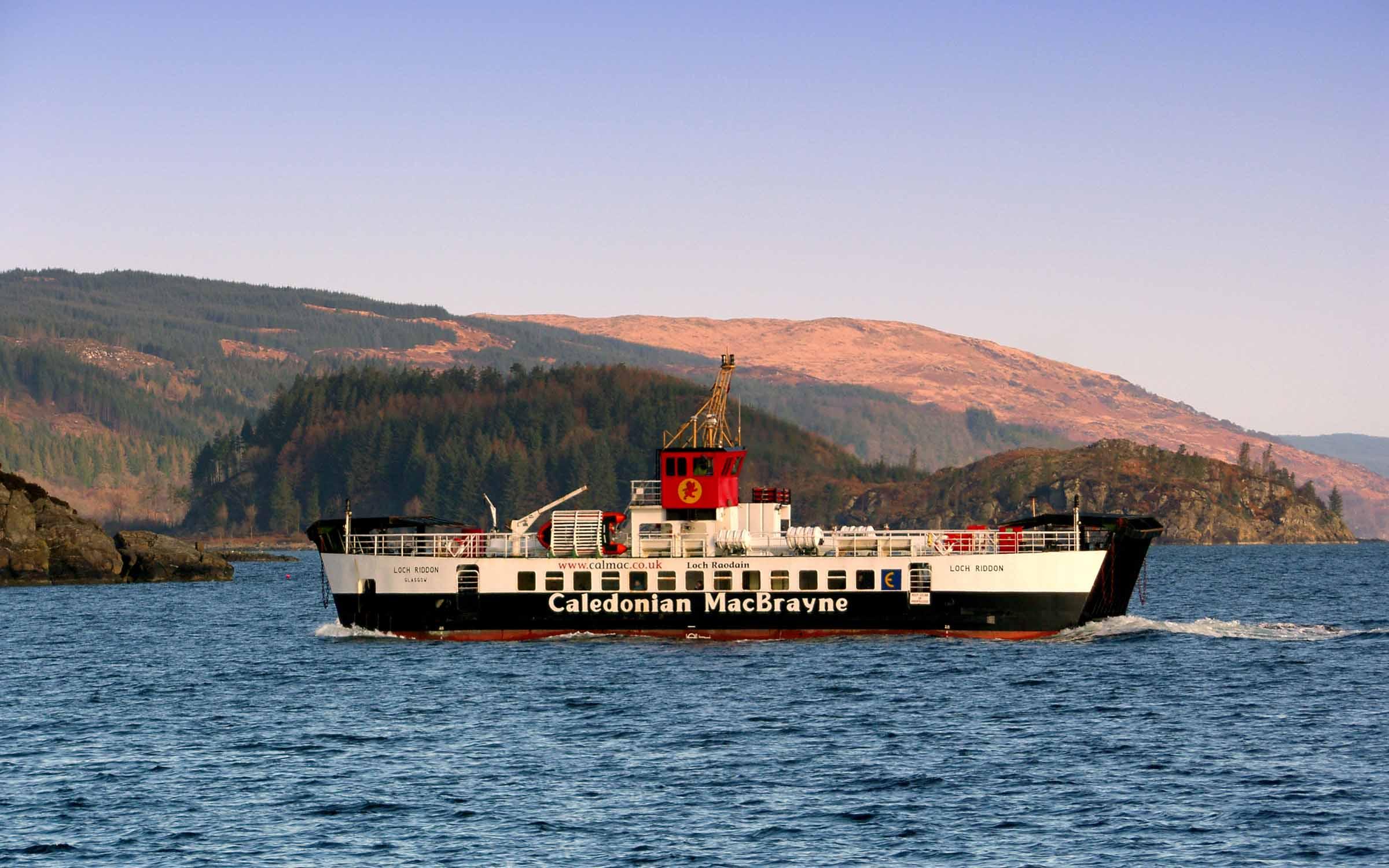 Loch Riddon approaching Tarbert (Ships of CalMac)