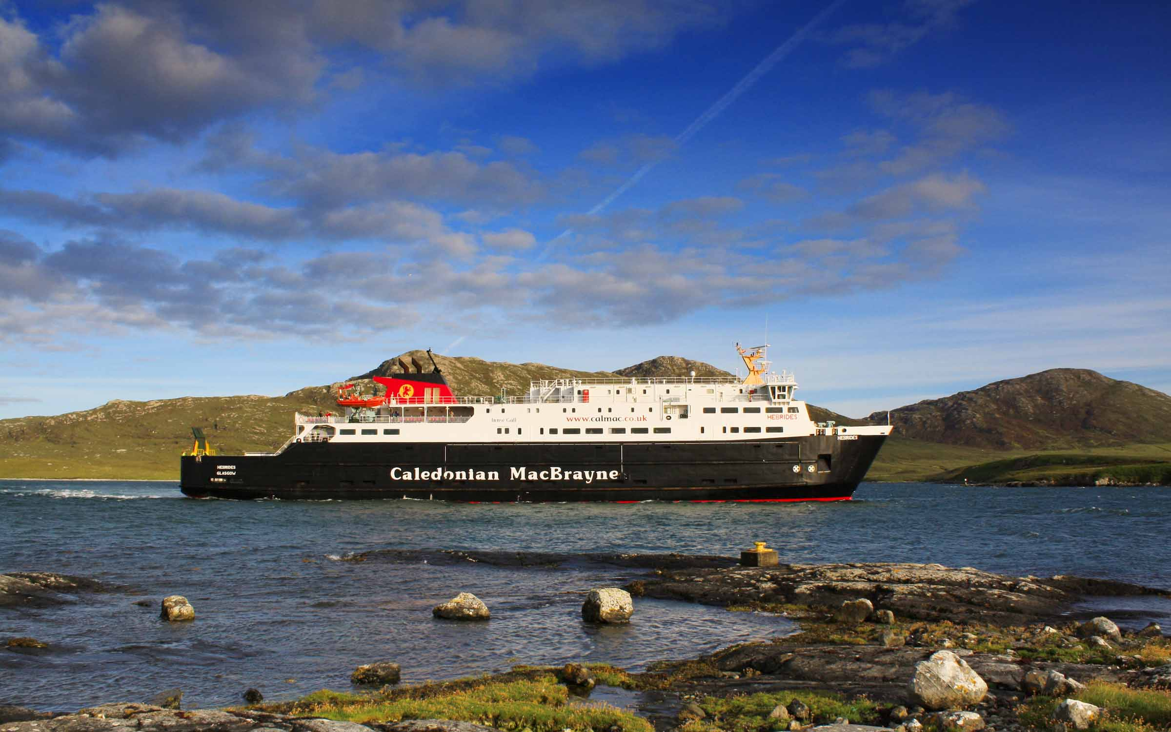 Hebrides arriving at Lochmaddy (Ships of CalMac)