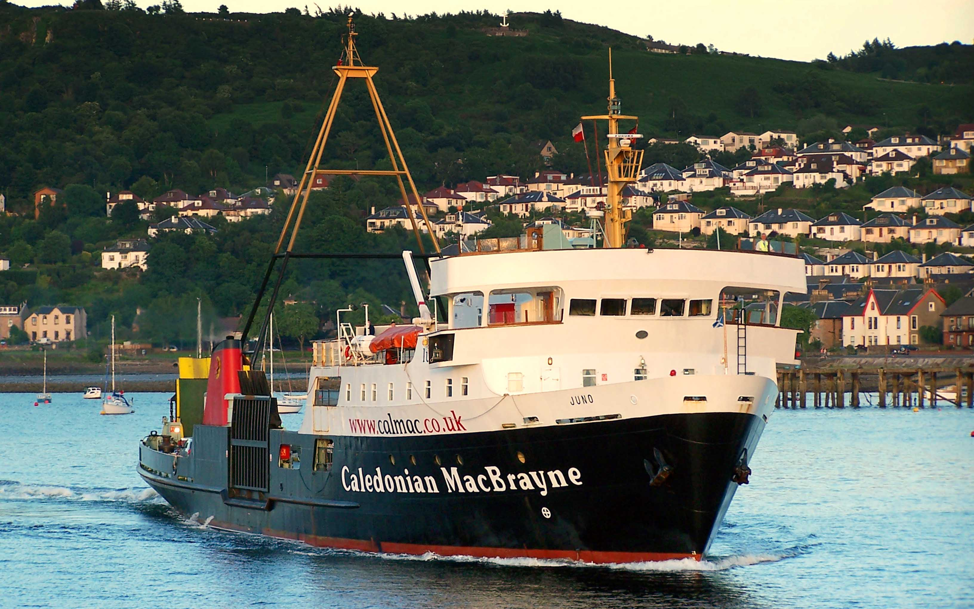 Juno at Gourock (Ships of CalMac)