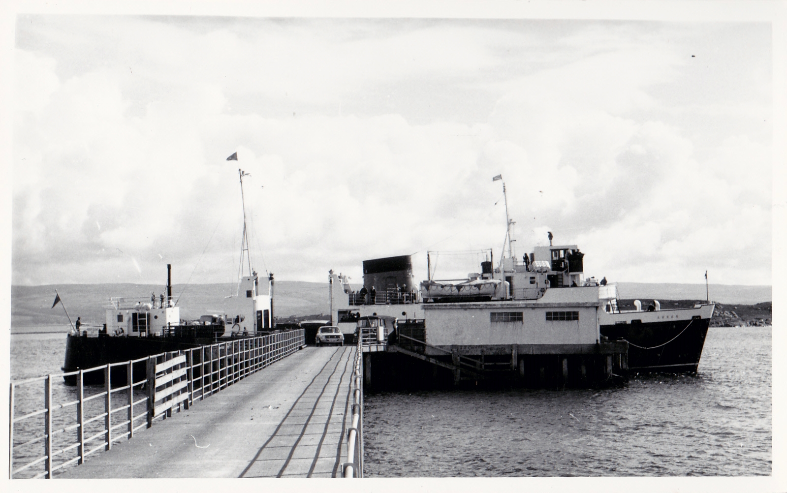 Arran at Gigha pier (Jim Aikman Smith)