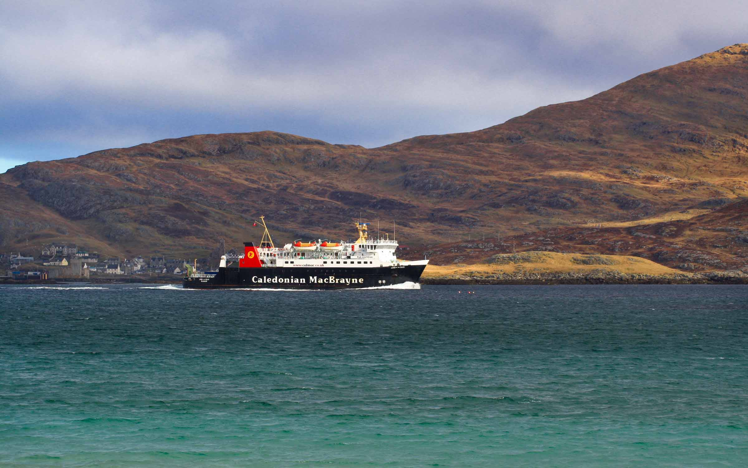 Lord of the Isles leaving Barra (Ships of CalMac)