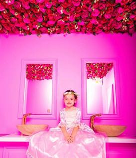• N A N C Y •  FlowerWall..... A ceiling