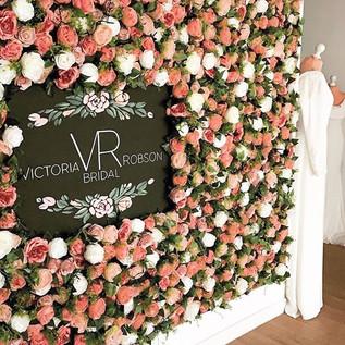 • R O S I E • FlowerWall ⠀_⠀_We love our