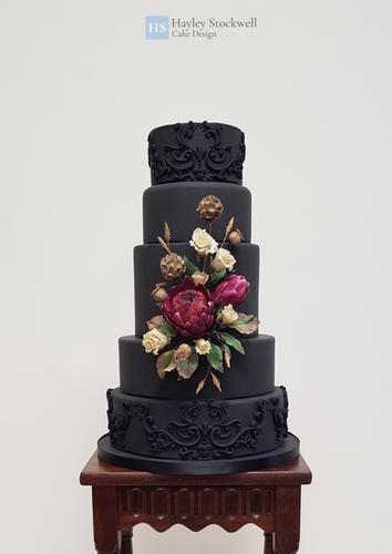 Dried sugar flower wedding cake