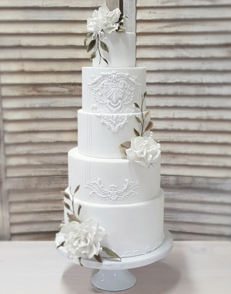 White baroque elegance wedding cake