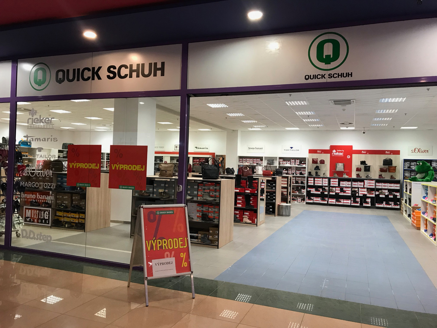 Check out our stores QUICK SCHUH - SHOES and DĚTSKÁ OBUV.
