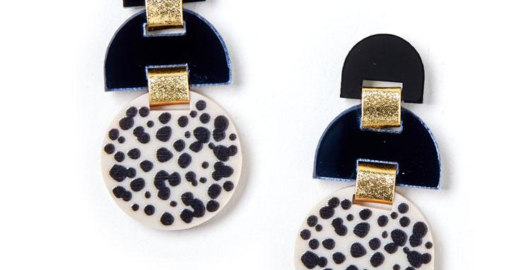 Half Moon Earrings - Black / Ivory