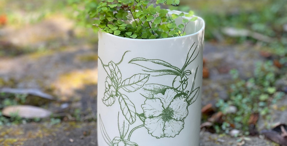 Samantha Robinson illuminator Vase SHORT  GREEN - Native Hibiscuss