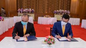 คปภ. ร่วมพิธีลงนามถวายพระพรสมเด็จพระกนิษฐาธิราชเจ้า กรมสมเด็จพระเทพรัตนราชสุดา ฯ สยามบรมราชกุมารี