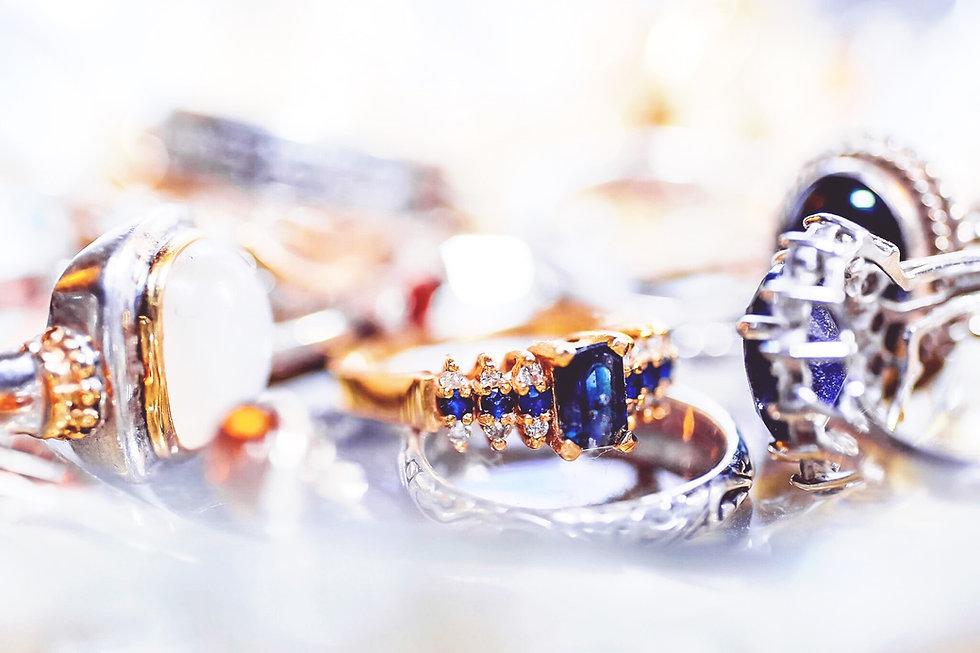 bijoux en vente à la boutique