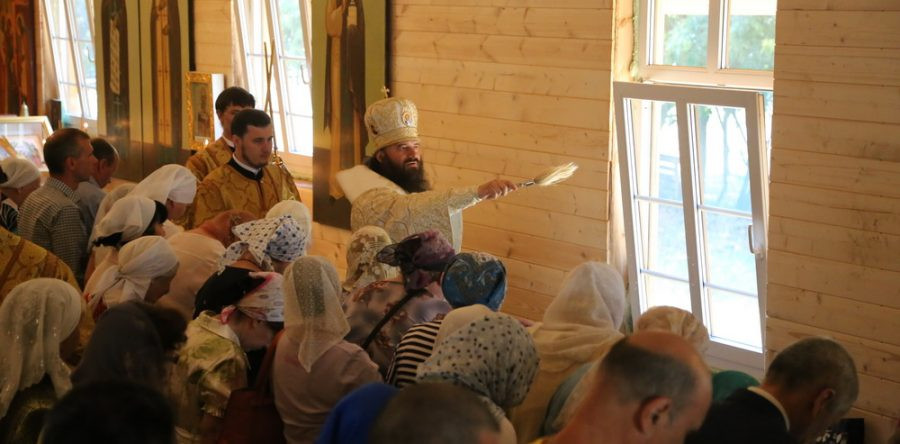 Наместник подарил Владыке икону преп. Иосифа Волоцкого