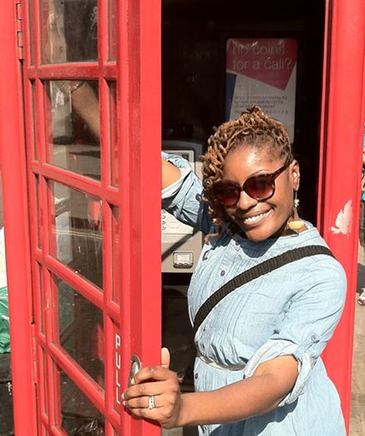 pic - solonge in london phone booth.jpg