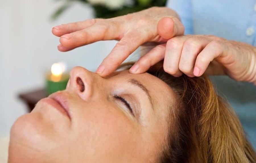 Facial treatment (Plus Face Mask)