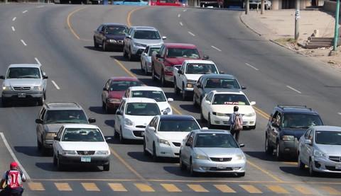 Hasta medio millón de autos irregulares circulan en BC: CANACO Mexicali