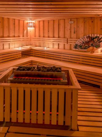 H_sauna s nárazem.jpg