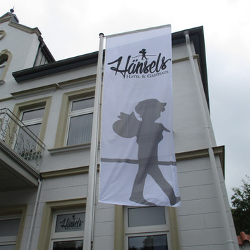 Hissflaggen, Hänsels, Bad Oeynhausen.JPG