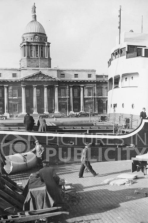 Custom House Dublin 1954 Ref R54-1542