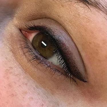 usia-permanentemakeup-eyeliner1.jpeg