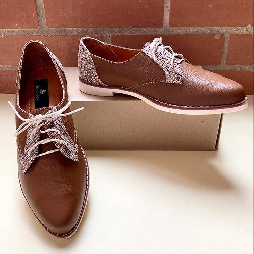 Kata Zapatos en cuero bovino color miel