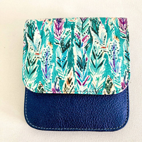 Tuttú. Mini Billetera-Monedero en cuero bovino color azul y grabados