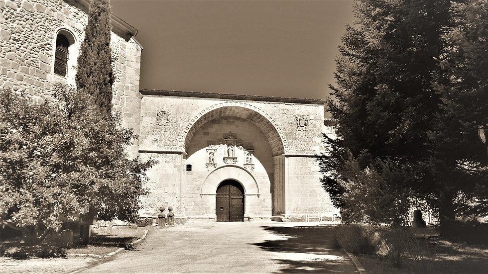 Puerta_Gil_Hontañón.jpg