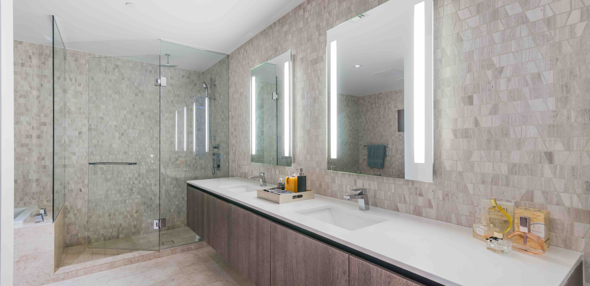 Master Bathroom 2.jpg