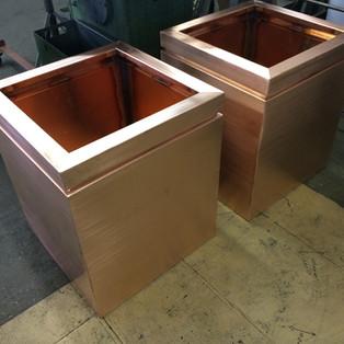 Copper shadow gap planter