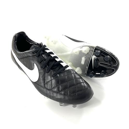 Nike Tiempo V FG