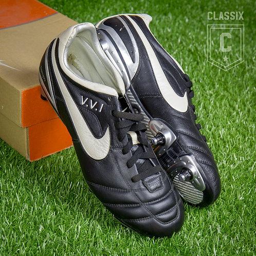 Victor Valdes Match Issued Nike Tiempo II