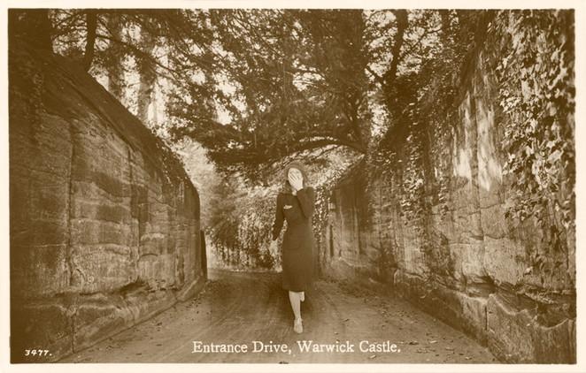 Armchair Traveller - Warwick Castle