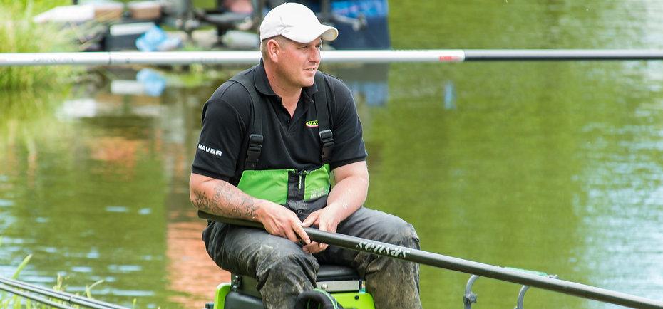 Margin fishing at Hayfield Lakes