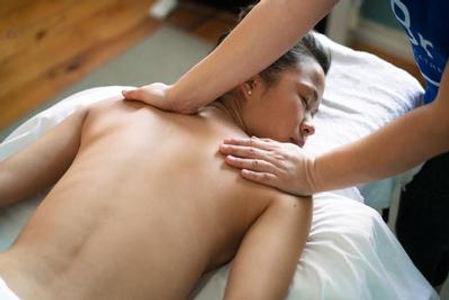 massage Hawaïen lomi-lomi.jpg