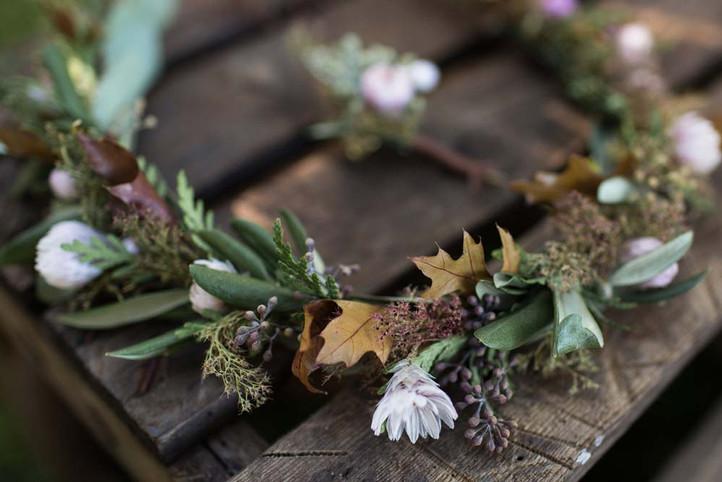 Haarkranz-Flowercrown-Haarblumen-Hochzeit.jpg