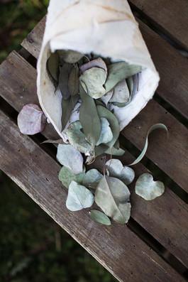 Trauung-Streublumen-Hochzeit-Blaetterkonfetti-Muenchen.jpg