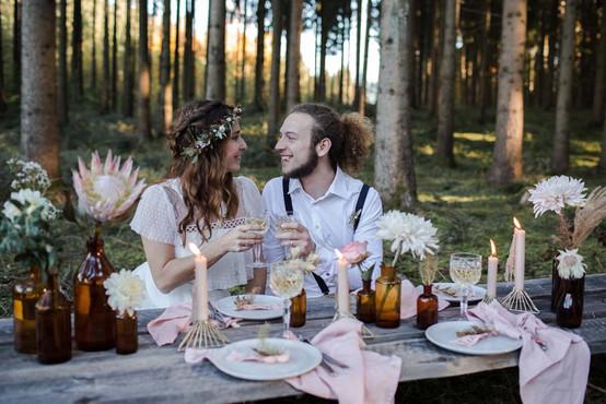 Tischdeko-Hochzeit-Wedding-Waldhochzeit.jpg