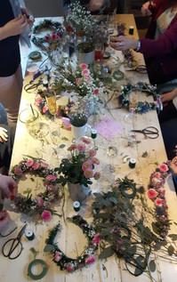 Hochzeit-Flowercrown-workshop-Haarkranz-Kurs.jpg