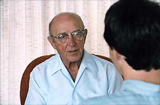 Rogers-con-un-cliente-1984.jpg