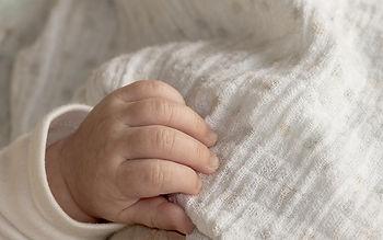 babys-hand-3480051_640.jpg
