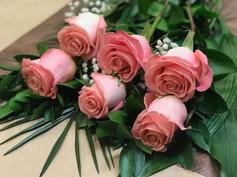 6 roses pâles 46$