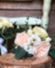 Fleuriste Laval | Fleurs2 | Bracelets et boutonnière