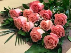 12 roses pâles 90$