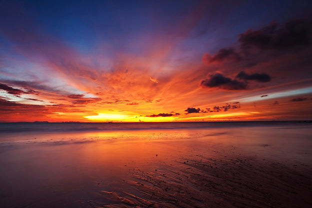 A spectacular sunset on Beaches-R-Us - Sunset Shores