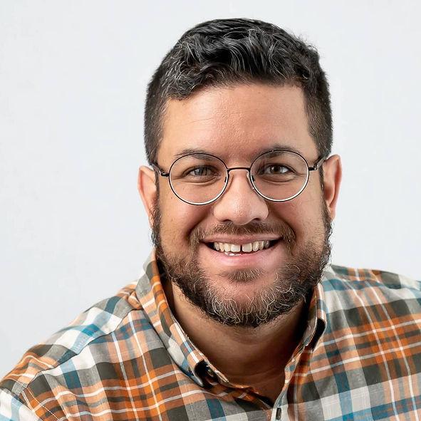 Johnny Perez Headshot.jpg