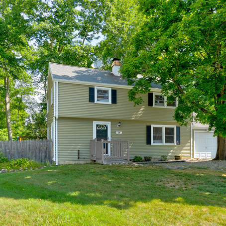 10 Chestnut Ln. Ledyard CT 06339
