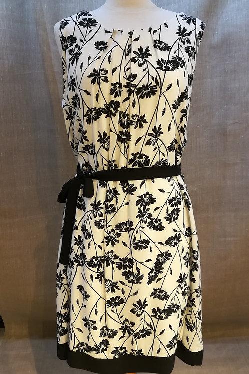 Robe imprimée fleurs noires La Fée Maraboutée