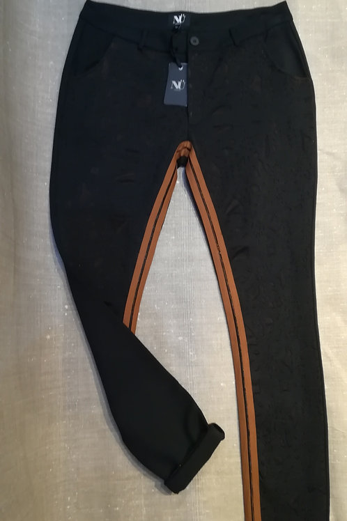 Pantalon tissus brodé Nü