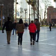 Tursitas frente a Casa Rosada