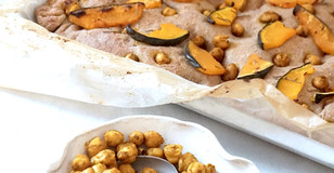 Focaccia integrale con zucca, rosmarino e ceci speziati